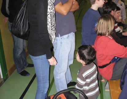 Niki mit Jonathan und Kindern
