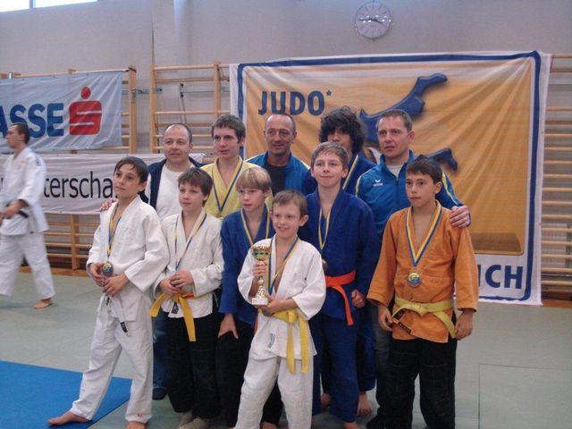 Mannschaft-Judo-02